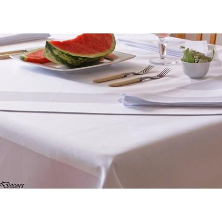 Obrus restauracyjny pyton